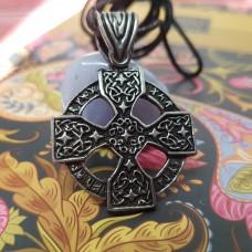 Кельтский Крест с Руническими заклинаниями