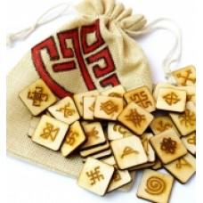Славянские руны на деревянных плашках